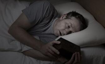 晚睡熬夜的危害